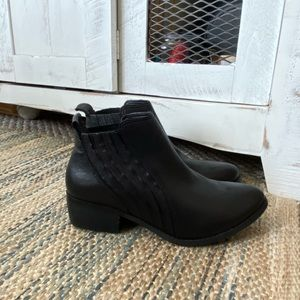 Matisse Leather bootie